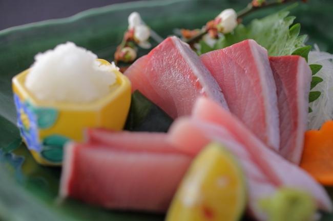 永芳閣名物料理「氷見の寒ブリ」