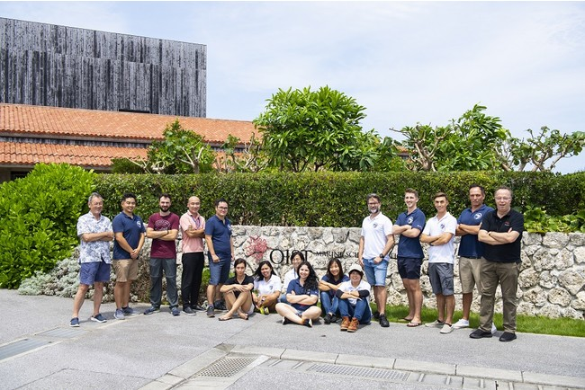 Professor Labashi and members of the Ocean Climate Change Unit in front of the OIST Marine Science Station