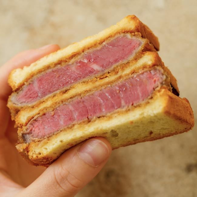 ヒレ肉のブリオッシュダブルカツサンド 〜自家製ソース〜