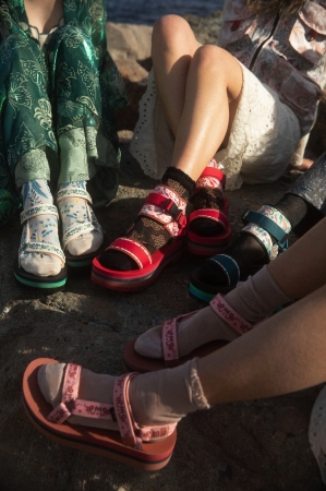 Teva × ANNA SUI SS2019 Collection