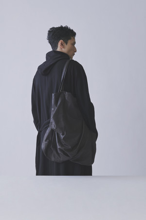 Unevennss tote Leather