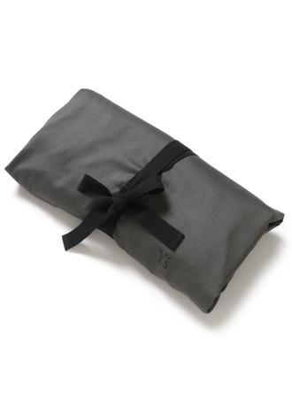 布製のガーメントバッグ