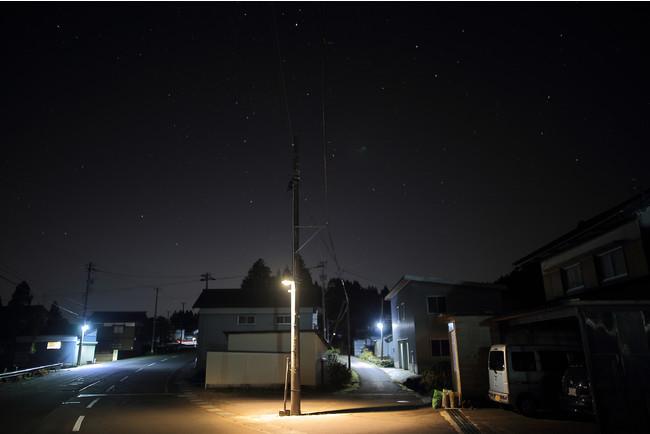 大野市に試験設置された「星空に優しい照明(IDA認証防犯灯)」