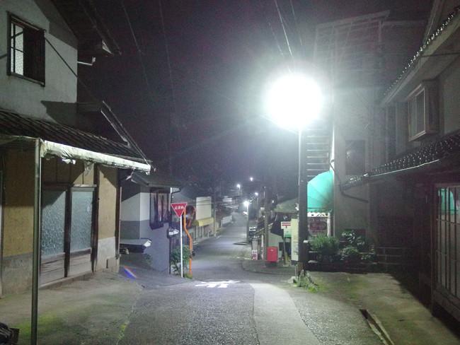 白色LED防犯灯が設置されていた当時の美星町(モデル地区)