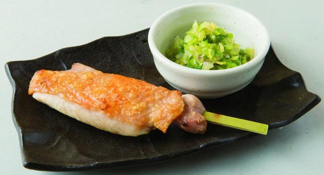 大山どりの一本塩もも串(おろしポン酢添え、ねぎドカ添え)298円