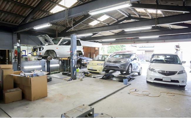 年間2000台以上の修理台数を誇るユーエスオート