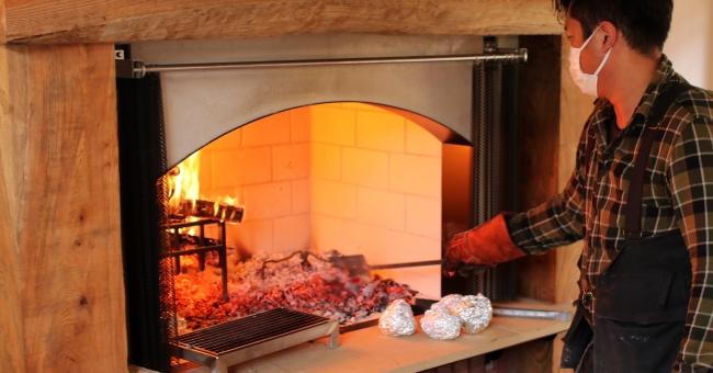 増田煉瓦とコラボレーションした暖炉グリル
