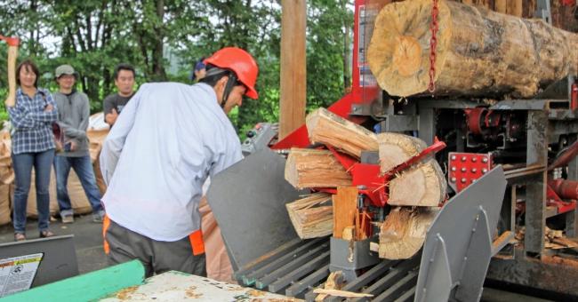 燃料となる薪は全て自社生産