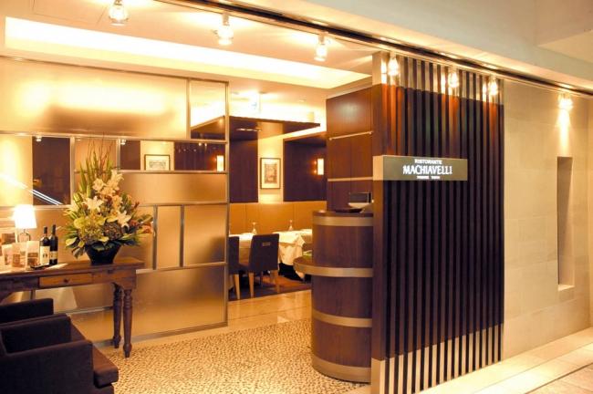 マキャベリ新宿店入口