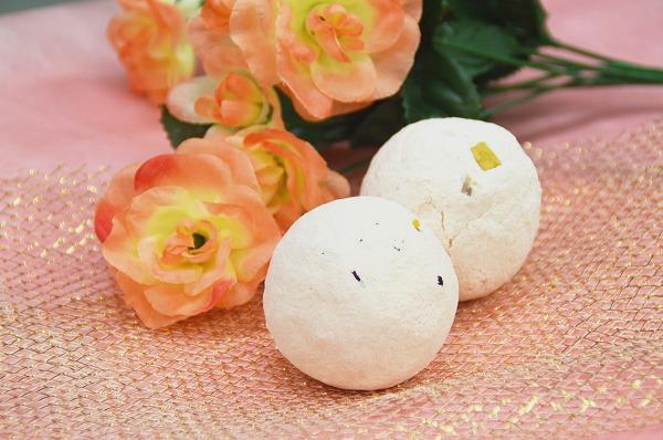 バラの花びらを入れた、 シュワシュワ発泡しながら溶ける入浴剤 「ローズバスボム作り」