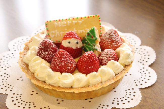 甘酸っぱいいちごのクリスマスタルト作り