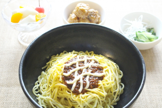 限定メニュー「ひまわりジャージャー麺」
