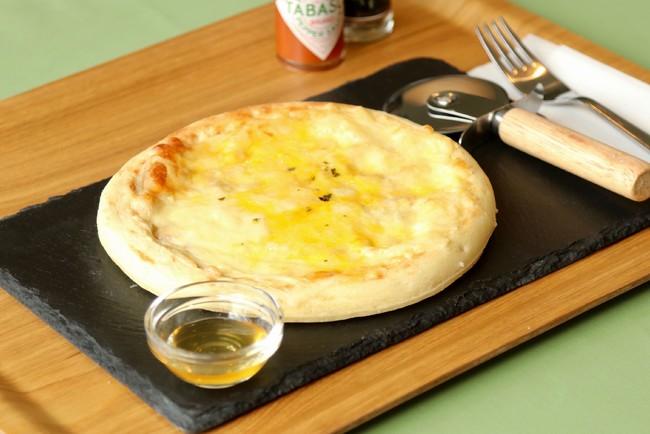 5種のチーズピザ(公園産はちみつ付)