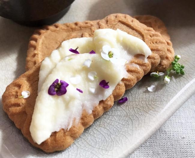 女子栄養大学生考案オリジナルスイーツ「エディブルフラワー×クリームチーズバター」