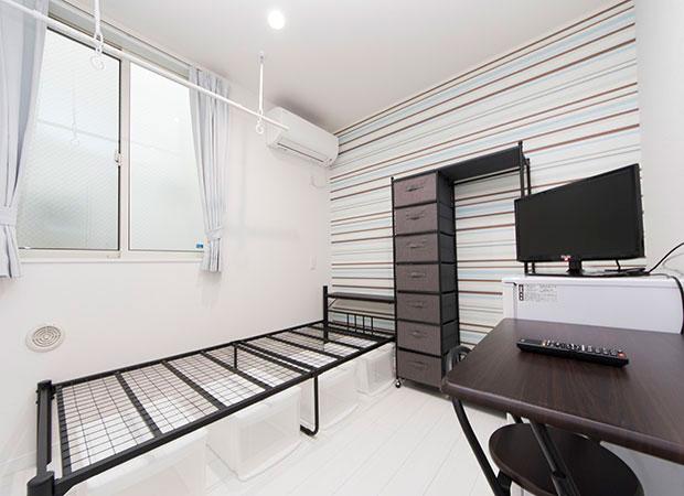 TV,冷蔵庫,ベッド,机付き