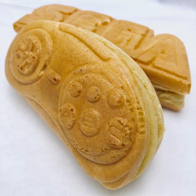 ▲メガドライブのコントローラーを焼き菓子で表現した「メガドラパッド焼」
