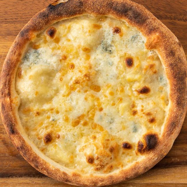 贅沢4種のチーズピッツァ 730円