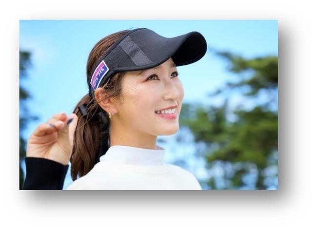 (井上莉花選手には、キャップ右サイドにゴルフルワッペンを付けて活動頂きます)