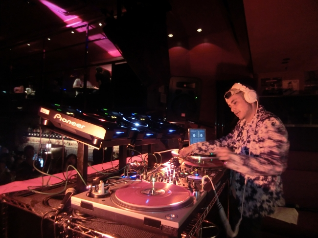 DJ TARO氏