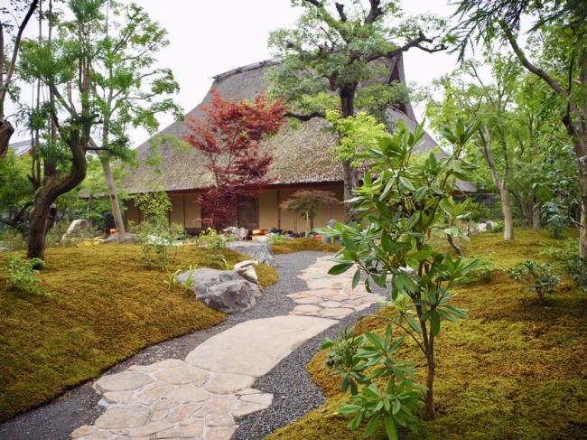 カフェ外観・庭園