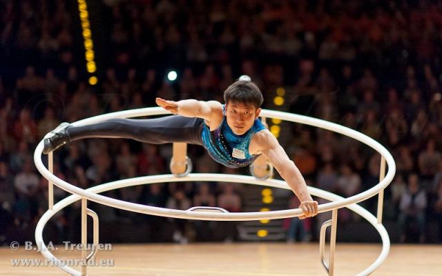 前々回大会[斜転]演技中の高橋靖彦選手(2014年ドイツ・ベルリン)