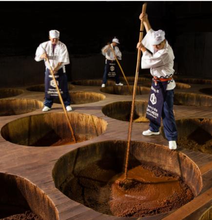 創業当時から受け継がれている伝統の木樽:画像提供クルメキッコー㈱