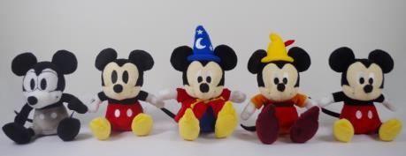 (左から、Plane Crazy/Vintage Style/Fantasia/Fun and Fancy Free/Modern Style) 各1,620円(全5種)  特別ボックス入り5種セット 9,720円 (C)Disney