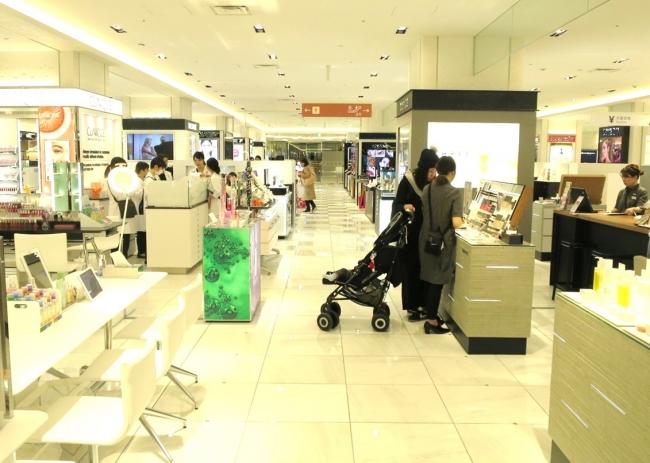 町田店1階化粧品売場イメージ