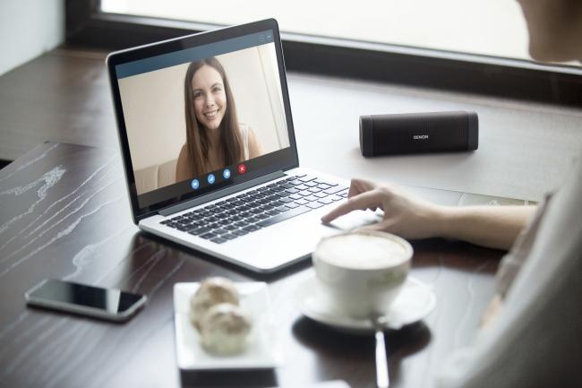 ハンズフリー通話 & Siri  Google Now 対応