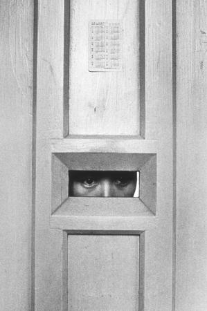 奈良原一高《壁の中〈王国〉より》1956-58年 島根県立美術館 (c)Narahara Ikko Archives