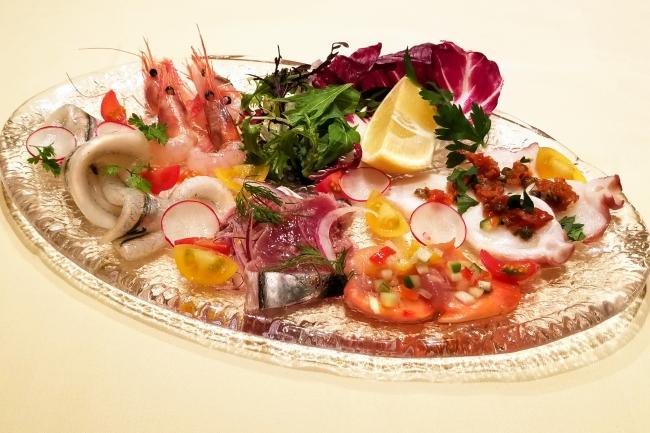 新鮮魚介のカルパッチョ5種盛り合わせ