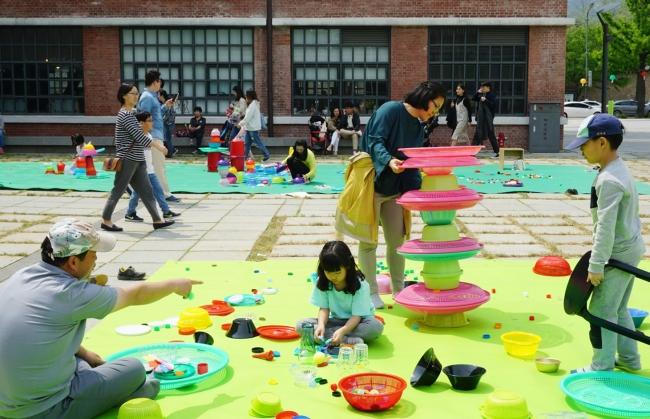 韓国国立現代美術館ソウル館でのワークショップの様子