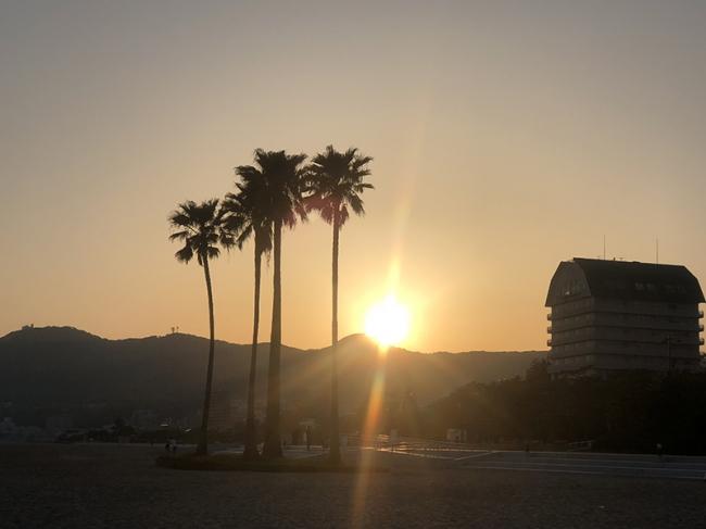 夕日が美しい須磨海岸
