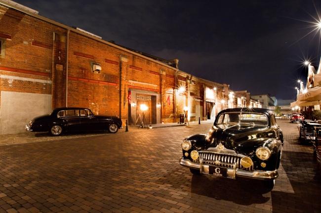 築約100年の歴史ある大阪・築港赤レンガ倉庫にあるクラシックカー博物館 GLION MUSEUM