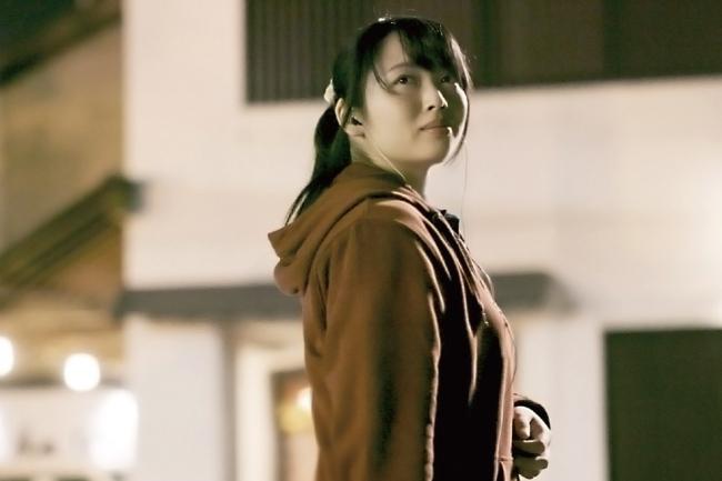 赤畑里美役(須藤茉麻)