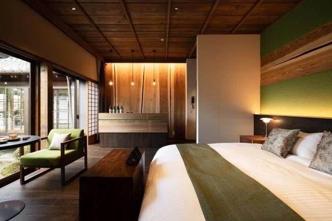 客室 「SUGI」 飫肥杉をテーマにした寝室と専用バースペース
