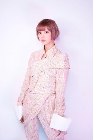 女優 ビビットアーミー