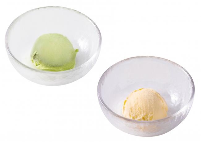 アイス(抹茶(左)・バニラ(右))