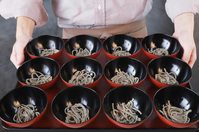 【日本初】十割蕎麦の「わんこそば」