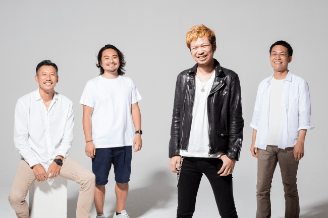 左から取締役 平井誠人、取締役 梅田琢也、代表取締役CEO 小林泰平、取締役 服部裕輔