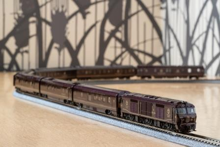 Nゲージ鉄道模型「ななつ星in九州」(8両)