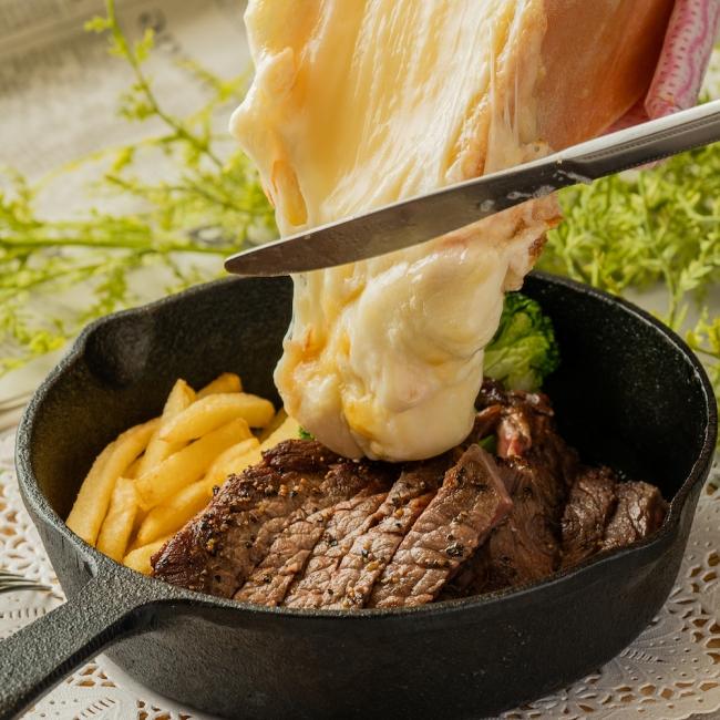 花畑牧場ラクレットチーズ×ステーキ
