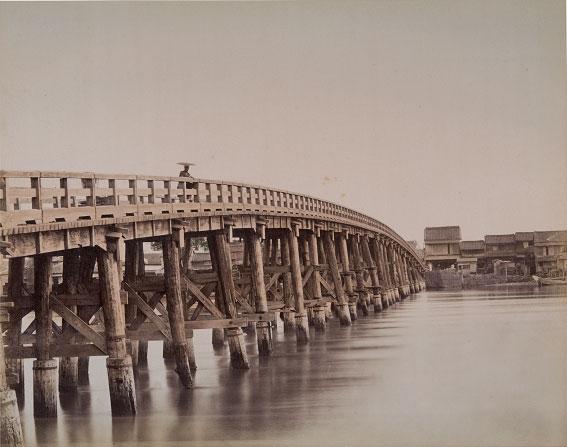 明治のはじめは木橋だった永代橋 古写真 永代橋   明治初期