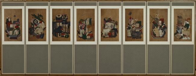 本棚と本を中心に様々な文房具を描いた屏風 冊架図屏風 19世紀 ソウル歴史博物館蔵