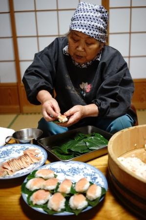 鳥取県(智頭町)「柿の葉ずし」