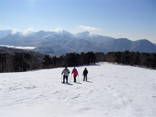 冬季はスノーシューで高原散歩、お子様も参加可能