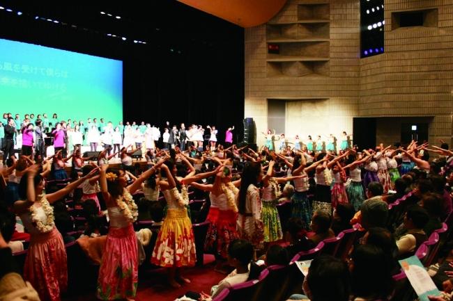 宇和島市立南予文化会館大ホールがあたたかい熱気に包まれた「おかえりコンサート」