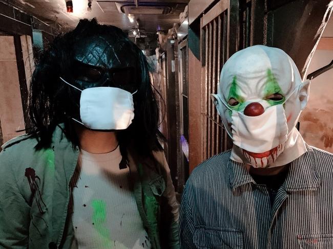 マスクをしたモンスター