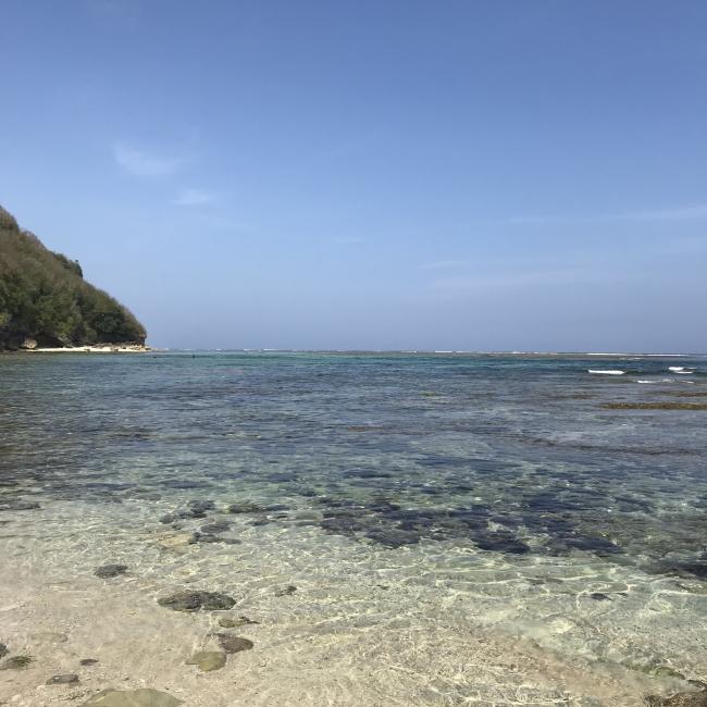 バリ島最南端に位置するグリーンボウルビーチ付近