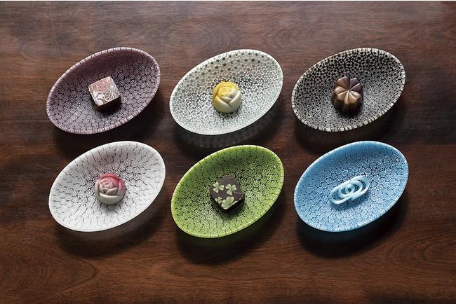 オーバル皿「花筏(はないかだ)」各¥16,500